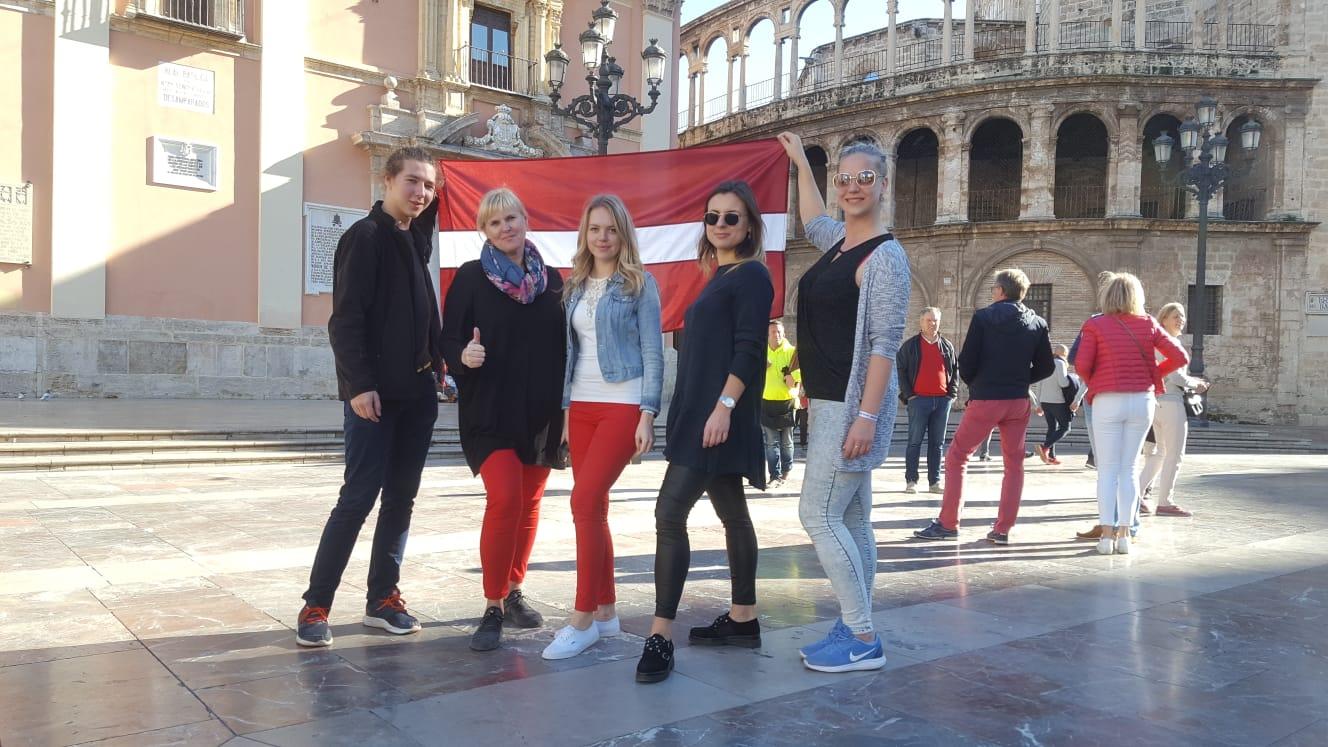 """""""Lead your story"""" – Erasmus+ jauniešu apmaiņa Spānijā"""